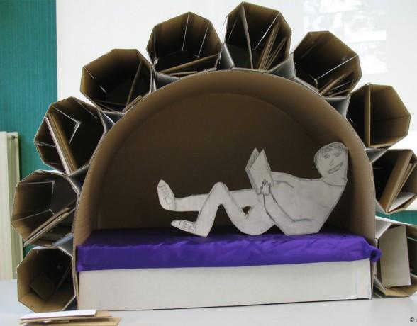 Atelier d'initiation au design par la réflexion sur l'espace de lecture dans le cadre d'un Parcours Starter au Collège Montchapet à Dijon.