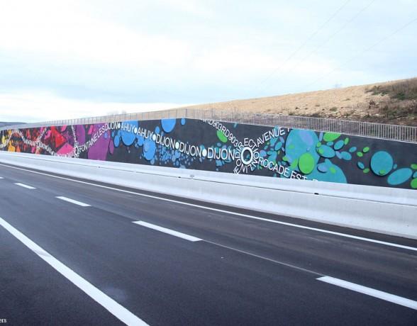 Fresque sur la rocade dijonnaise réalisée par A4 designers en collaboration avec Vizualistic