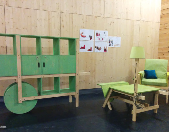 Création de mobilier super mobile sur-mesure pour l'espace culturel jeune public La Minoterie à Dijon par le collectif A4 designers.