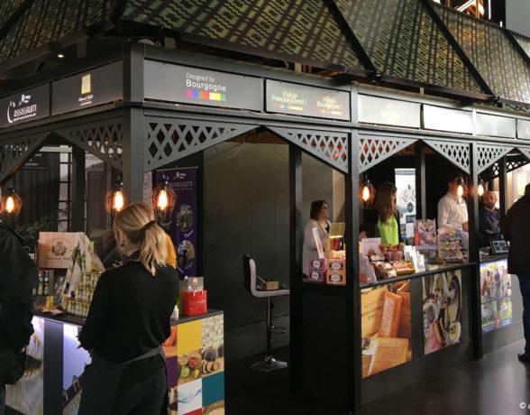 Création d'un stand original et démontable dédié à la présentation de l'offre touristique en Bourgogne